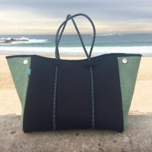 MY CHUCHKA NEOPRENE TOTE : I'm RAVEN about it!